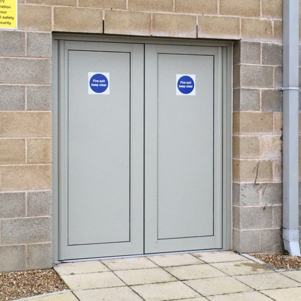 aluminium panels fitted in fire-exit doors
