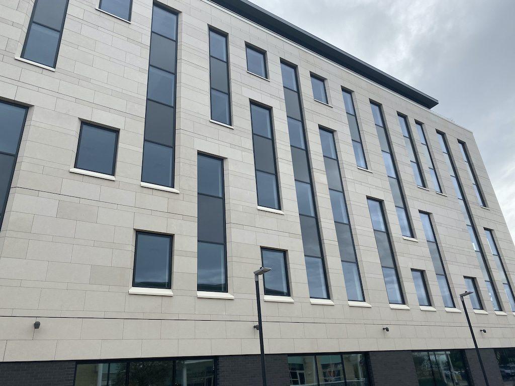 aluminium panels in commercial building facade